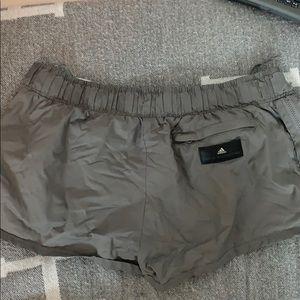 Stella McCartney x adidas running shorts 🖤
